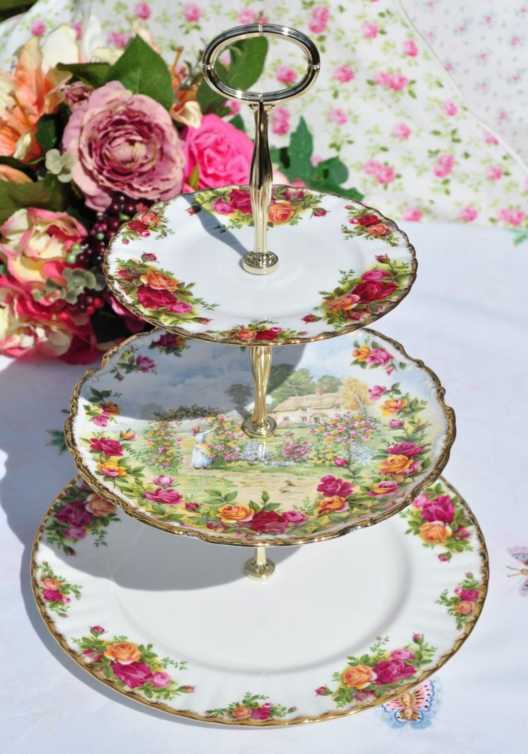 Royal Albert Old Country Roses & Cottage Scene Vintage 3 Tier Cake Stand