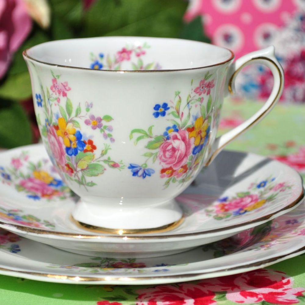 Royal Standard Posies Teacup Trio c.1940s