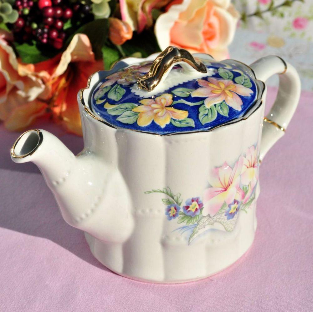 Sadler Lilies Vintage One Pint Teapot
