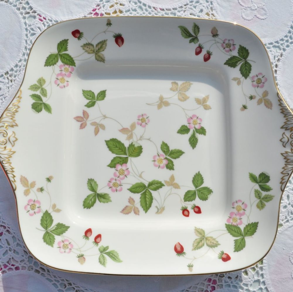 Wedgwood Wild Strawberry Pattern Bread & Butter Plate