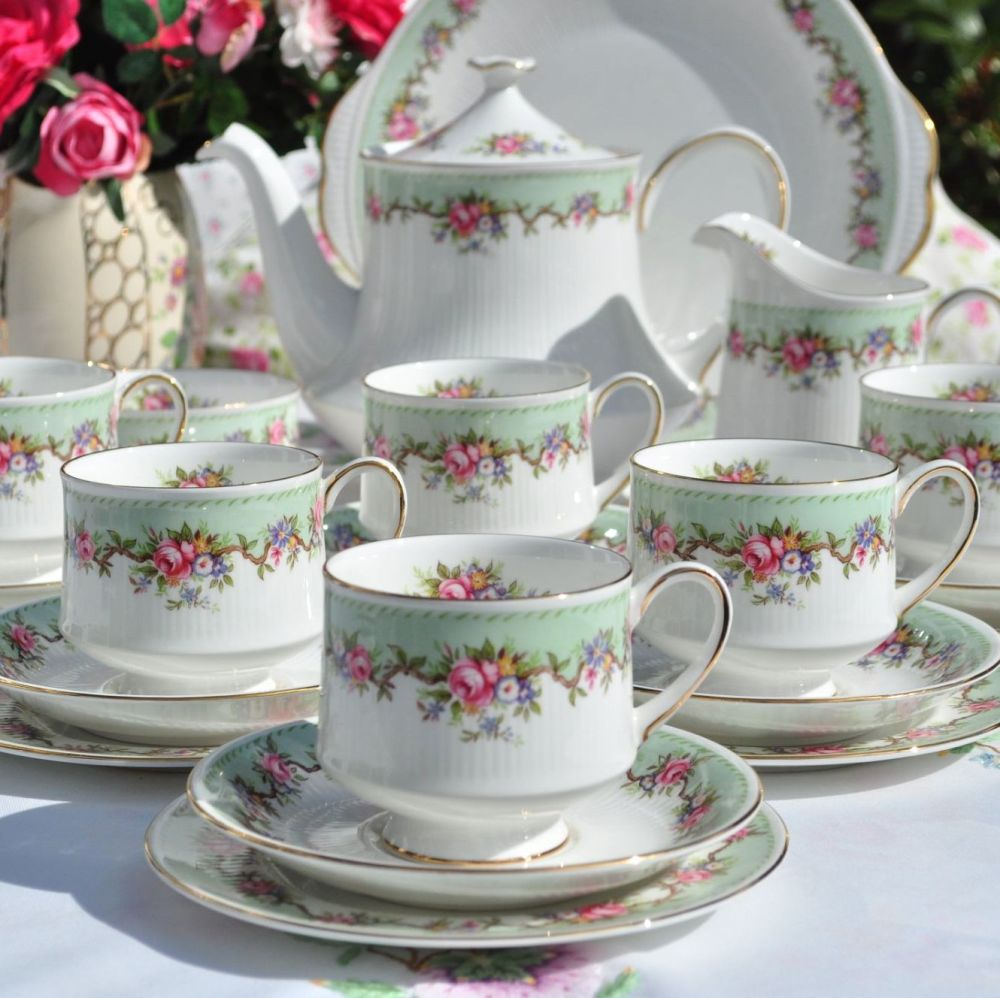 Paragon Rosalia Vintage Fine Bone China Complete 22 Piece Tea Set