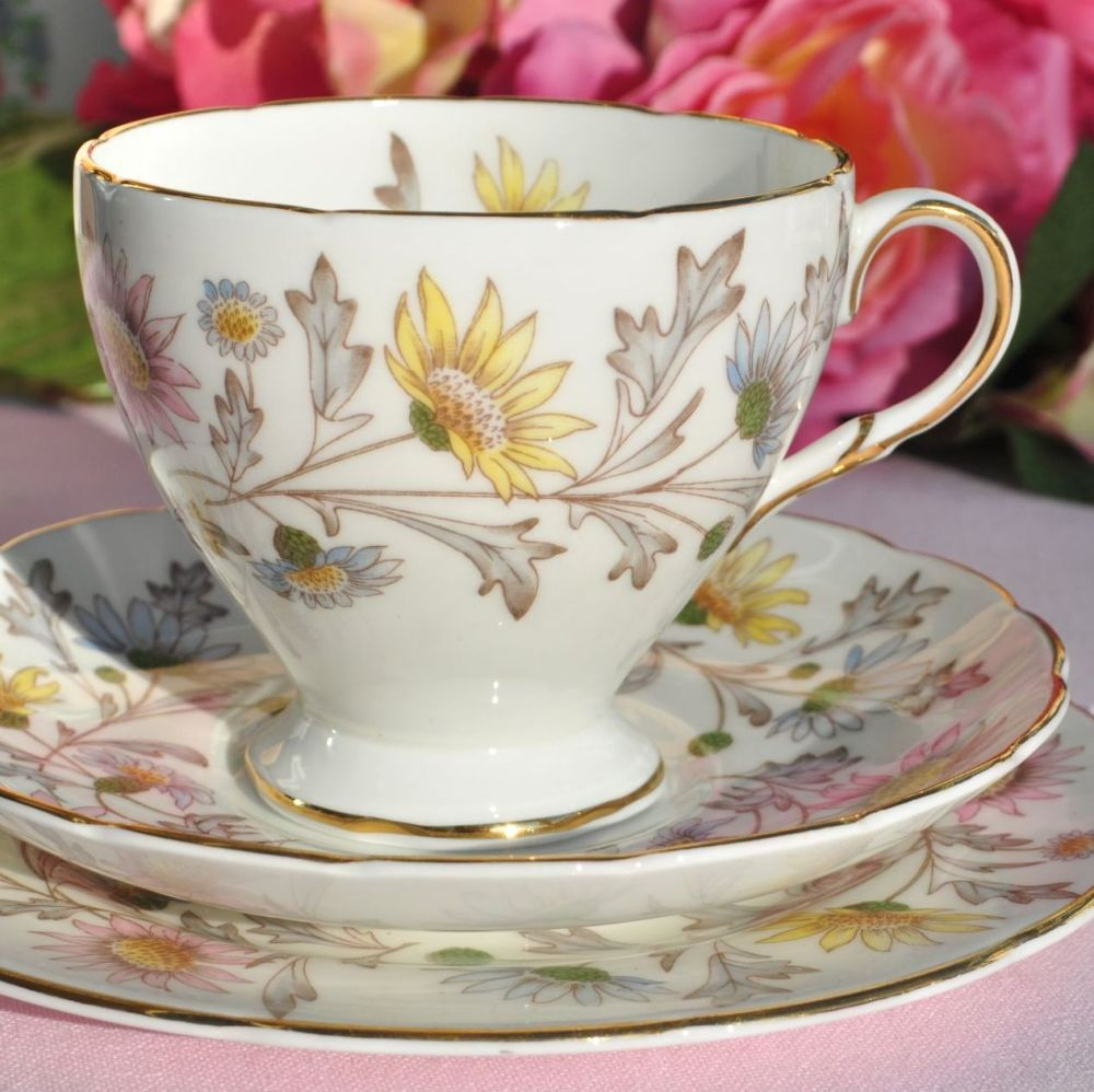 Foley Somerset Pretty Floral Teacup Trio c.1950s