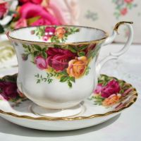 Royal Albert Old Country Roses Teacup and Saucer c.1970s