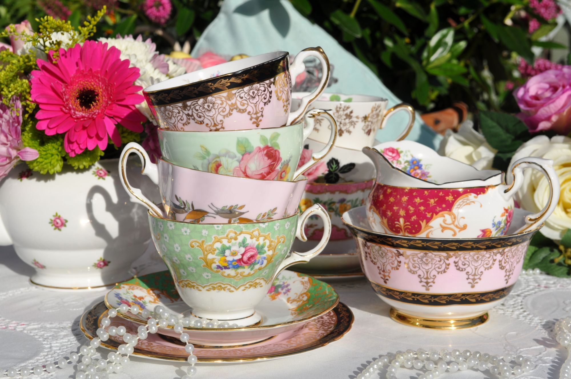 Pretty teacups and saucers