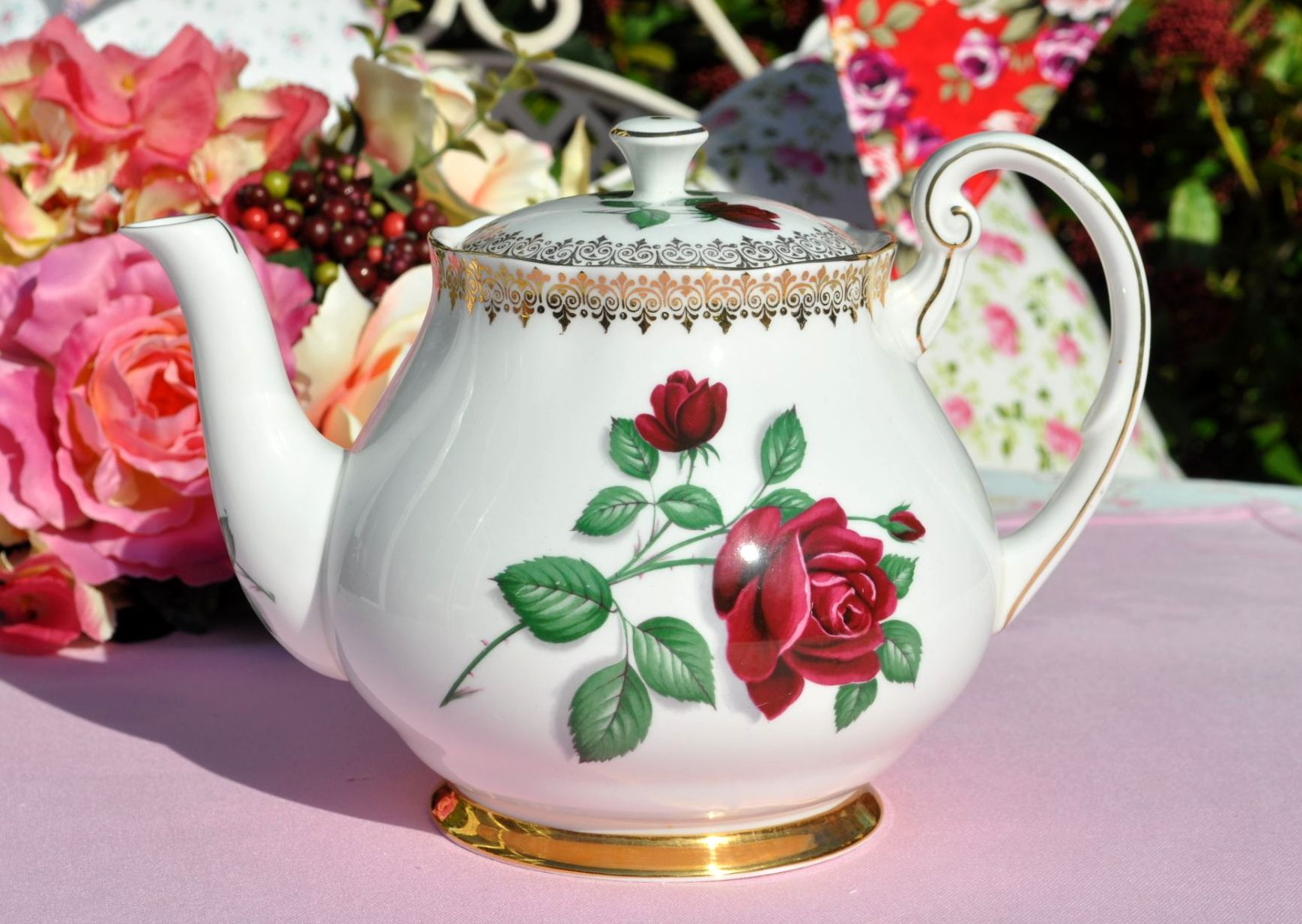 Royal Standard Red Velvet Teapot