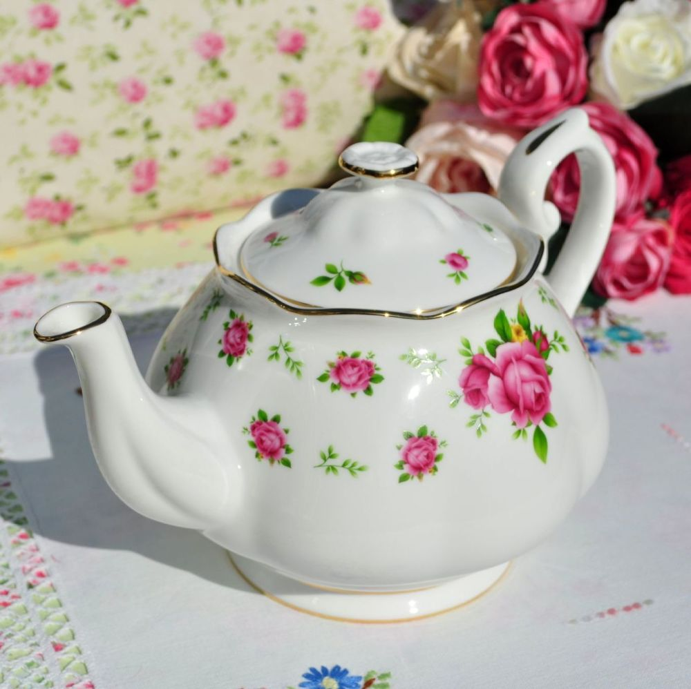 Royal Albert New Country Roses Teapot