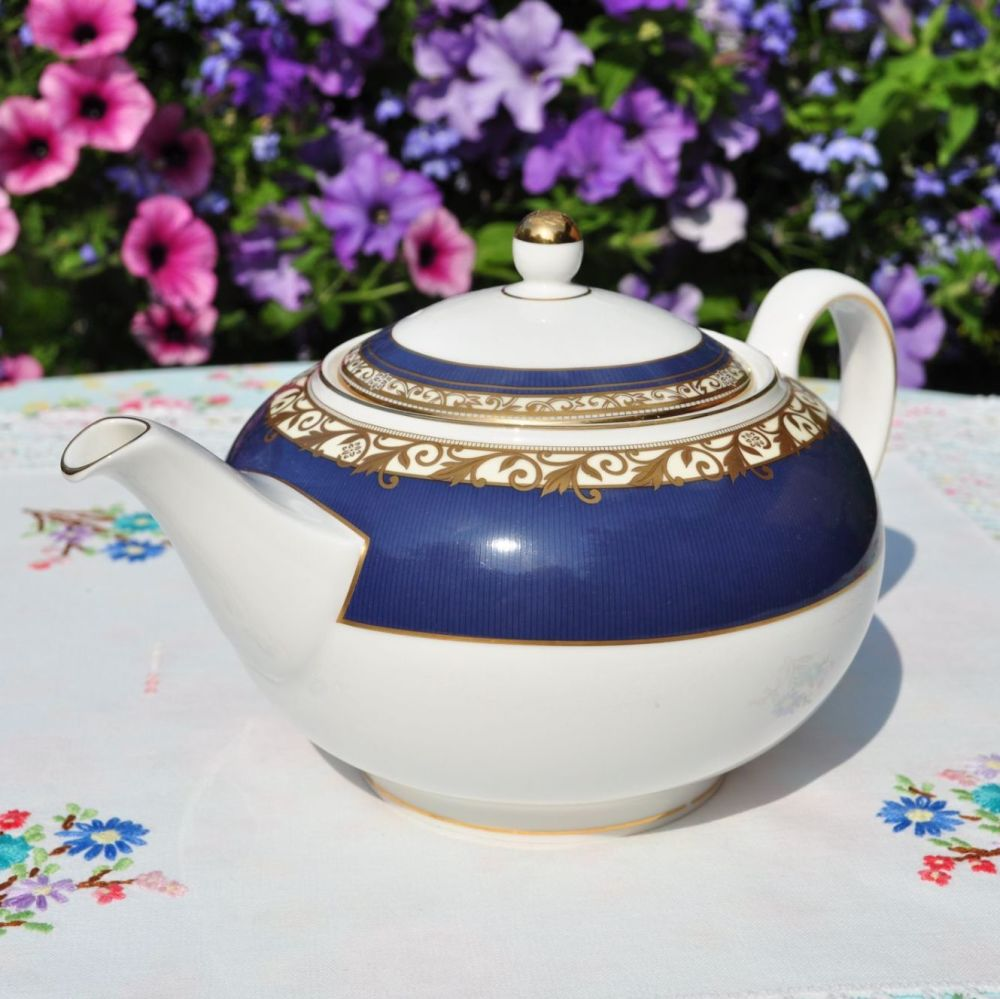 Wedgwood Rococo 1.5 Pint Teapot