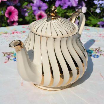 Sadler Gold Swirl Vintage 2 Pint Teapot