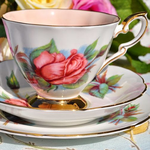Paragon Rendezvous Harry Wheatcroft Roses Vintage China Teacup Trio