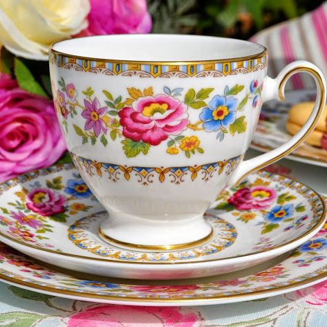 Royal Grafton Malvern Vintage Fine Bone China Coffee Cans Set