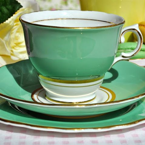 Colclough Pale Green and Gold Vintage China Teacup Trio c.1945-8