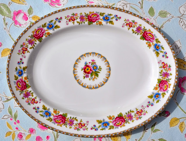 Royal Grafton Malvern Vintage Fine China Floral Large Serving Buffet Platte