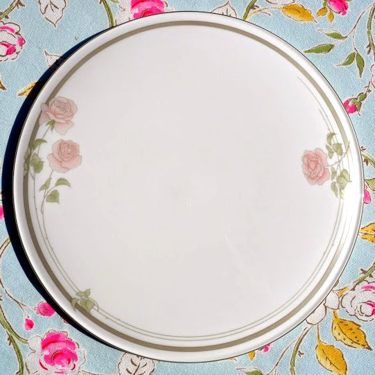 Royal Doulton 'Twilight Rose' Vintage Bone China Celebration Cake Plate