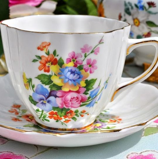 Old Royal Petal Shape Cottage Garden Pattern Vintage China Teacup and Sauce