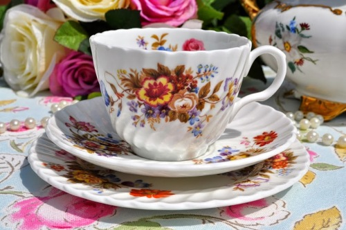 Aynsley Summertime Fine English Bone China Teacup Trio