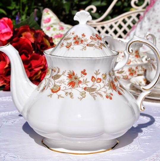 Paragon Seville Vintage Fine Bone China Pint Teapot