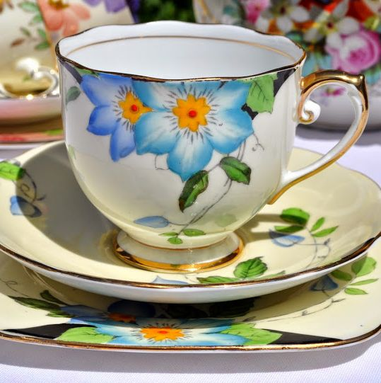 Roslyn China Clematis Vintage Teacup, Saucer and Tea Plate Trio c.1930s