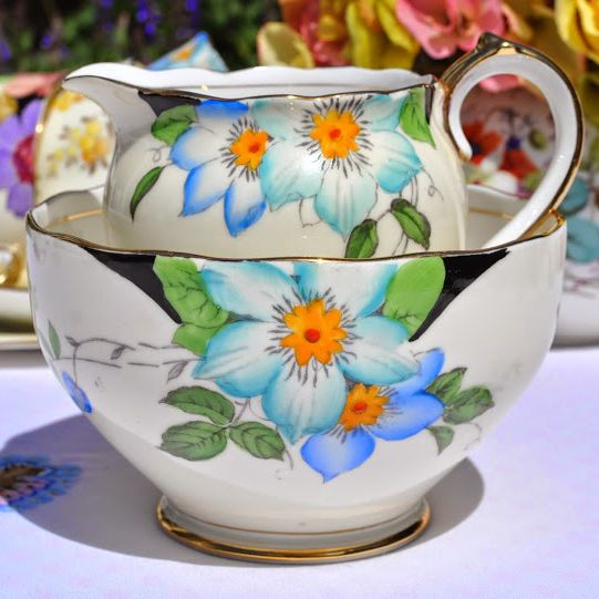 Roslyn China Clematis Vintage Fine China Cream Jug and Sugar Bowl c.1930s