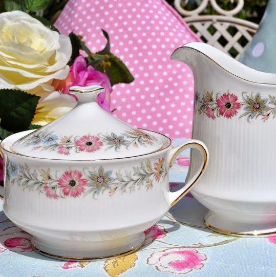 Royal Albert/Paragon Belinda 1960s Vintage Cream Jug and Sugar Bowl