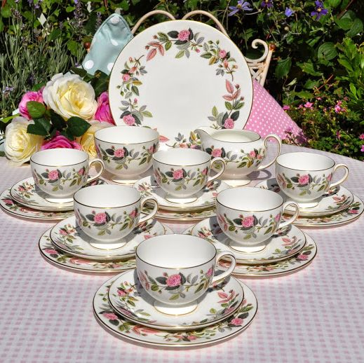 Wedgwood Hathaway Rose Vintage Tea Set for Six with Cake Plate