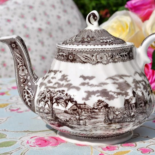 Crown Dorset Hand Engraved Pattern Fine Bone China 2 Cup Teapot