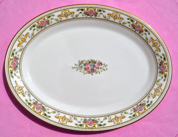 Royal Doulton Alton H.5055 1970's English China Serving Plate