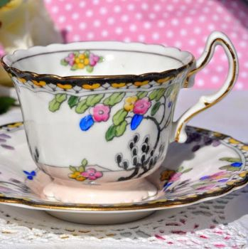 Royal Doulton Art Deco Hand Painted Teacup and Saucer c.1929