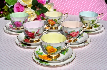 Paragon World Famous Roses Set of Six Harlequin Teacups, Saucers and Tea Plates