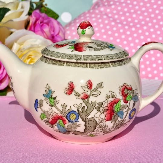 Johnson Bros. Indian Tree Vintage 16 fl.oz. Teapot