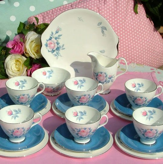 Royal Albert Sorrento 1950s Bone China 21 Piece Vintage Tea Set