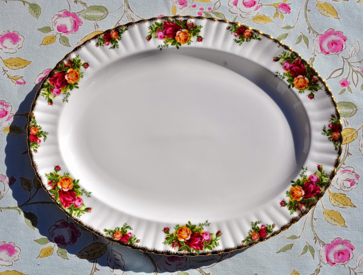 Vintage Royal Albert Old Country Roses Large Serving