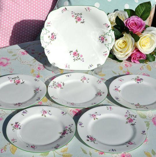 Foley Vintage Edwardian Cake Plate and 5 x 17.5cm Plate Set