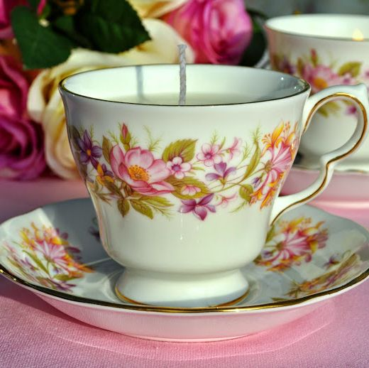 Colclough Wayside Vintage Teacup Soy Wax Candle
