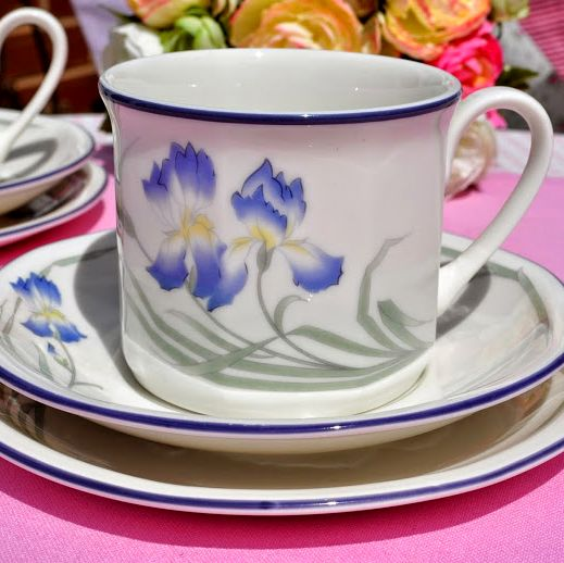 Royal Doulton Minerva Pattern Teacup Trio LS1804