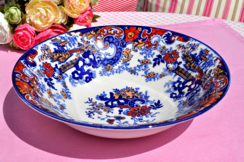Antique Imari Style Willow Pattern Serving or Display Bowl