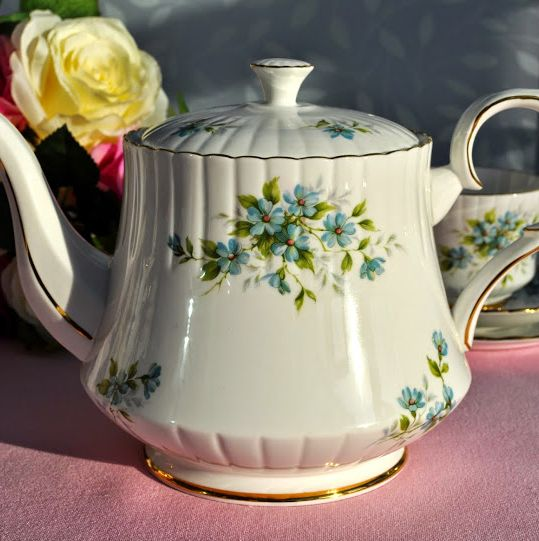 Royal Stafford Coquette Vintage Bone China Two Pint Teapot
