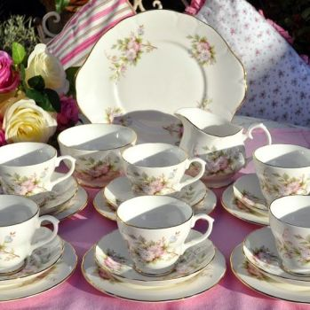 Royal Imperial Pastel Pink and Lilac Vintage China 21 Piece Tea Set
