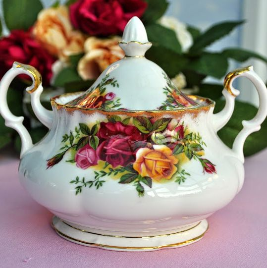 Royal Albert Vintage Old Country Roses Twin Handled and Lidded Sugar Bowl