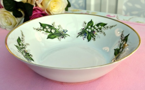 Sheltonian Bone China Lily of the Valley Serving Bowl
