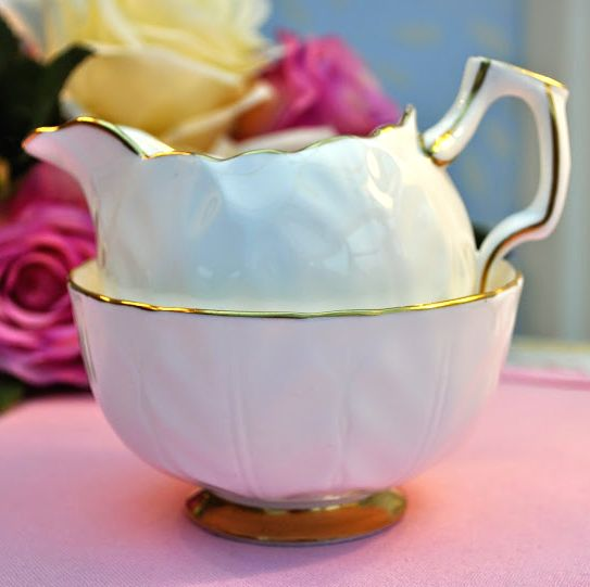 Aynsley Golden Crocus English Fine White and Gold China Milk Jug and Sugar