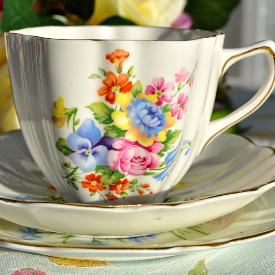 Old Royal Vintage Floral China Teacup, Saucer and Tea Plate c.1940's