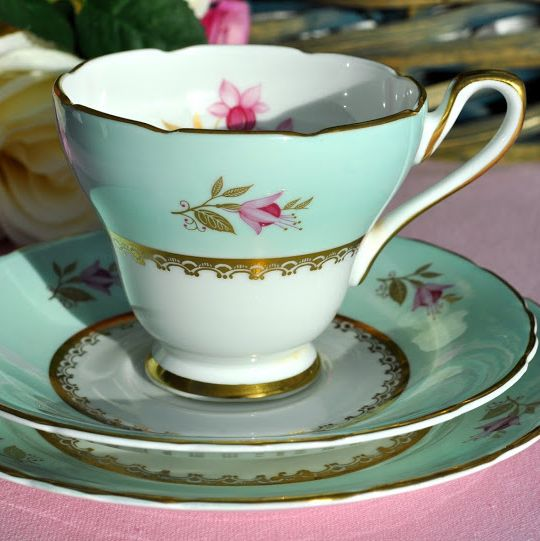 Sutherland Vintage China Duck Egg Blue and Pink Fuschia Teacup Trio c.1947