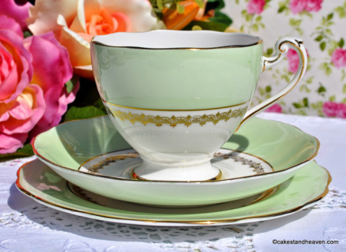 Roslyn China Vintage Green and Gold Teacup Trio. c.1958-63