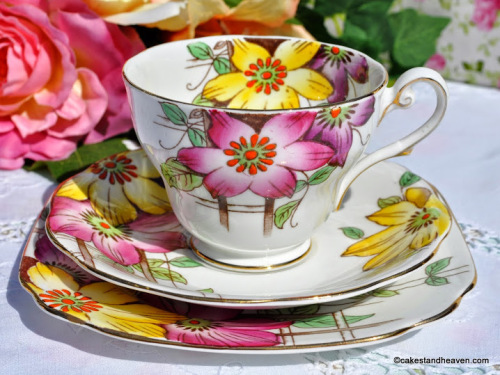 Royal Standard Garden Terrace Pattern Teacup Trio c.1940s