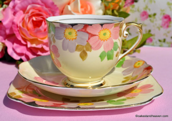 Roslyn China Hand Painted Vintage Teacup Trio c.1937-46