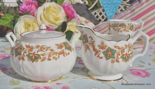 English Vintage Bone China Petal Shaped Milk Jug and Lidded Sugar Bowl