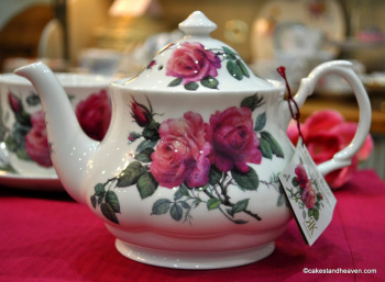 English Rose Large New Fine China Teapot