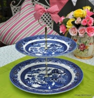 Blue Willow Traditional 2 Tier Cake Stand