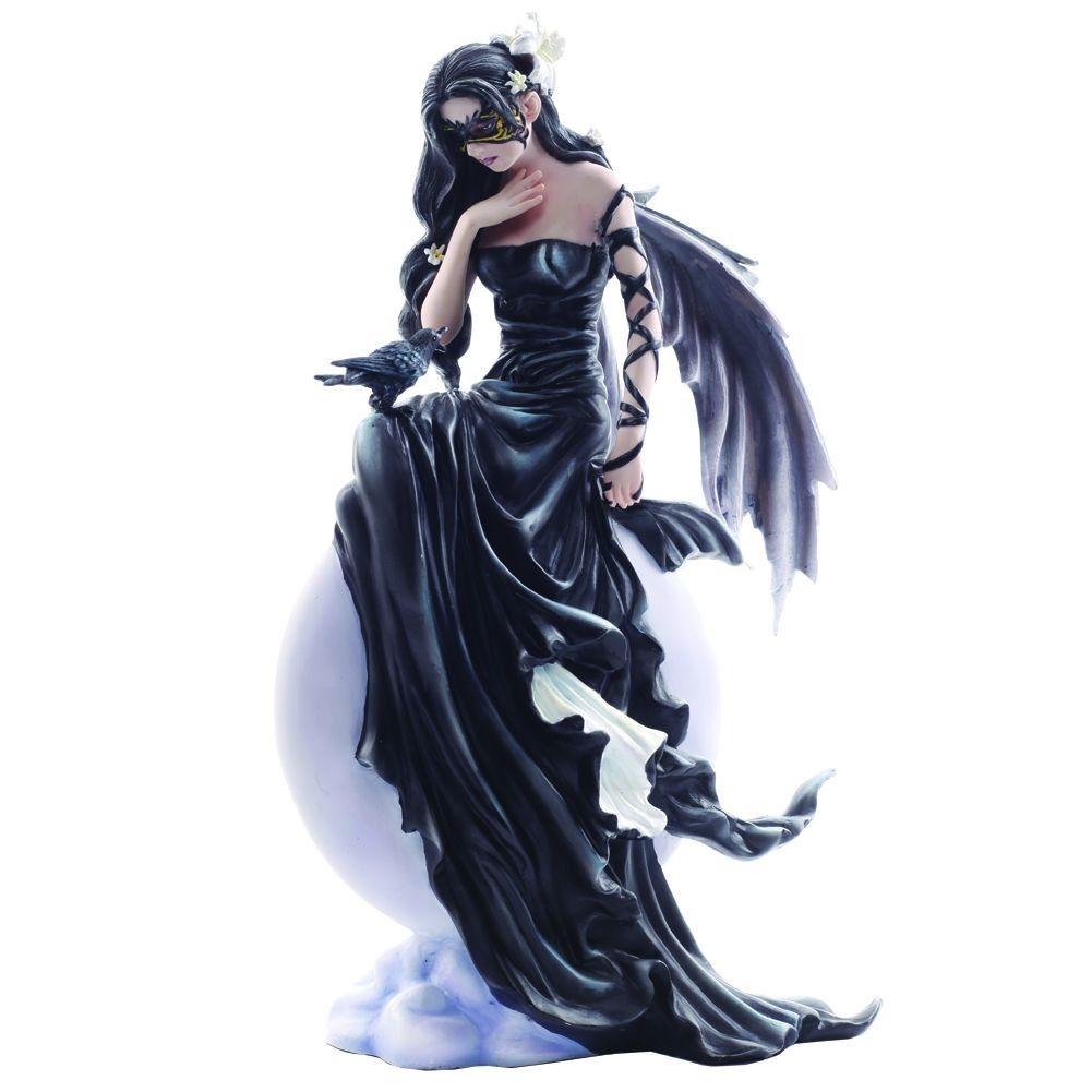 Dark Skies by Nene Thomas - Figurine