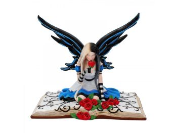 Alice - Alice In Wonderland - Figurine
